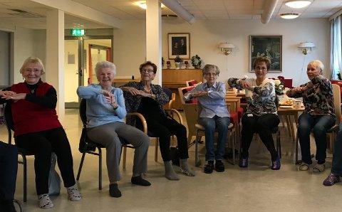 Nå har det begynt å bli så mange deltakere på sittedans at prosjektet vokser ut av lokalene sine. Fra venstre: Liv Johansen, Mai-Ann Hope, Inger Johanne Kramer Hansen, Randi Crogh, Jorunn Nygård og Rigmor Indresand.