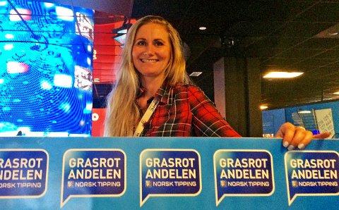 Norsk Tipping og Anne Helseth delte ut nesten 200.000 kroner til et lokalt ADHD-lag i Gjesdal i fjor.
