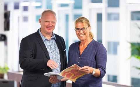 Daglig leder Tor Arne Sandholt i HS Media og key account manager Grethe Ånerud gleder seg over ny vekst for Tidsskrift for Den norske legeforening og mange andre medietitler som HS Media selger reklame for.