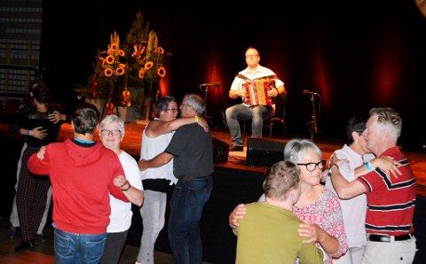 Livleg dans under durspelkonkurransen på Oppdal.