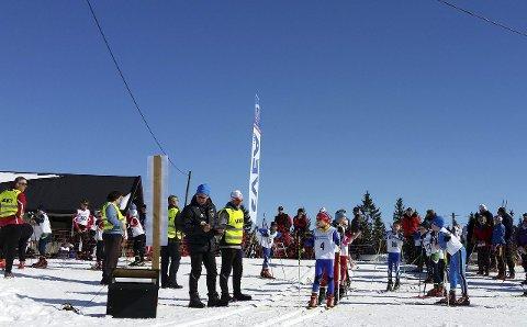 START: Det var strålende sol og flotte forhold for deltakerne på Hadelandsmesterskapet. Foto: Privat