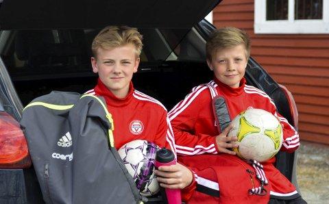 KRETSLAG: Eskild Fredriksen (til venstre) og Eirik Hermansen spiller på KFUM Oslo. De har valgt å spille på hvert sitt kretslag.