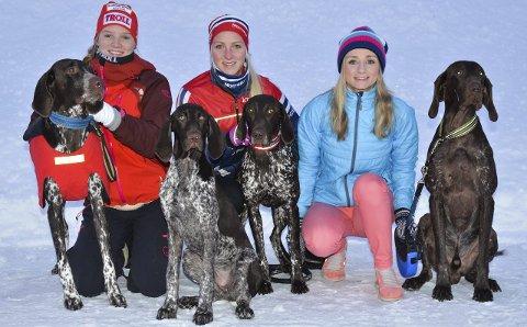 EM-KLARE: Juniorene Stine Lyse Klevengen (til venstre) og Oda Foss Almqvist skal til EM sammen med veteranen Ann-Karin Huseby.