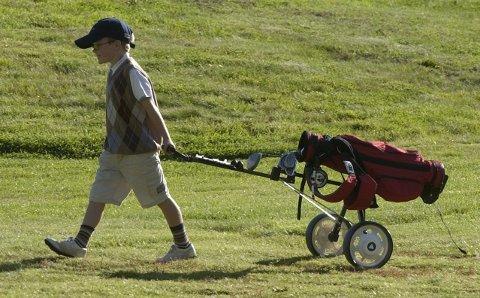 VIL FÅ MED DE YNGSTE: Kurs og arrangementer for de yngste er viktig for Halden Golfklubb i 2015.