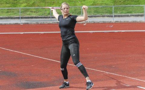 TALENTFULL: Emilie Ingerø har en veldig god kastarm. I helga kastet seg til U 23-EM i spyd ved å sette ny kretsrekord. Foto: Kristian Bjørneby