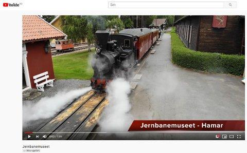 LAGET VIDEOER: Egne videoer er produsert til appen. Her er fra Norsk jernbanemuseum. (Skjermdump)