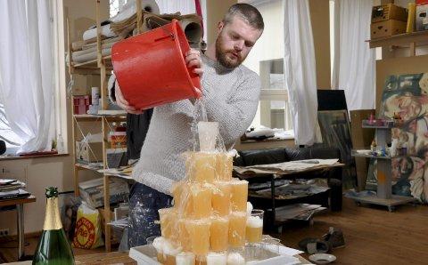 Kreativ: Lars Korff Lofthus har mange idear som skal prøvast ut. Mykje vert til kunstverk. Her frå eit tidlegare prosjekt. Foto: Privat