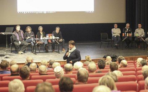 Engasjerer: SKL sin konsesjonssøknad for kraftverk og flomtunnel i Opo engasjerer lokalsamfunnet. Her fra folkemøtet i Odda kino 12. februar.Foto: Synnøve Nyheim