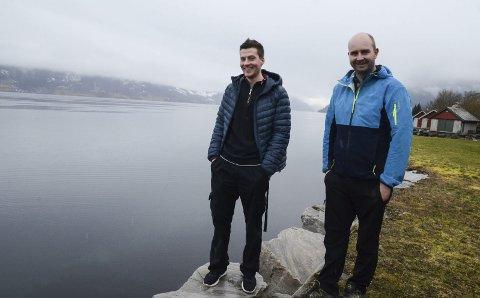 Tidkrevjande: Joakim Måkestad og Daniel Olason Naa i Naa båtlag hadde von om å koma i gang med arbeid for ei båthamn på Nå i år. Det spøkjer for eit slikt ynskje. Arkivfoto: Mette Bleken