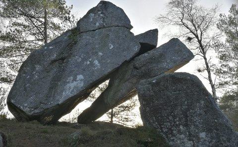 Trodlakjerka:  Artig steinformasjon  i Tysvær. TEkst og foto: Anne Rees Halvorsen