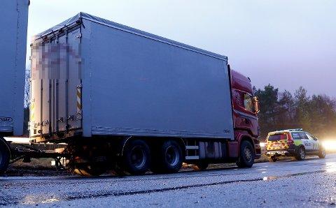 OMKOM: En 43-åring døde etter at deler av taket på vogntoget løsnet og traff bilen han satt i