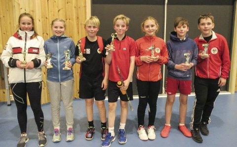 FRAMTIDA: Dette kan være framtidas badmintonstjerner. Fra venstre Urd H. Dalen, Laura Taidla, Benjamin Wang, Gaute Bringslid, Nila Lorvik, Gabriel Grønbech og Jakob A. Theiman som alle er U13-spillere.