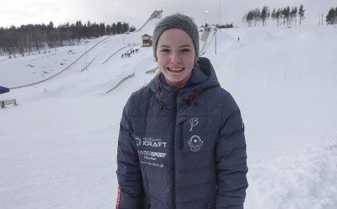 I FORM:  Eirin Kvandal hoppet bra og ble belønnet med sølvmedalje under Hovedlandsrennet i hopp. Her er hun foran bekkene i Hamran.