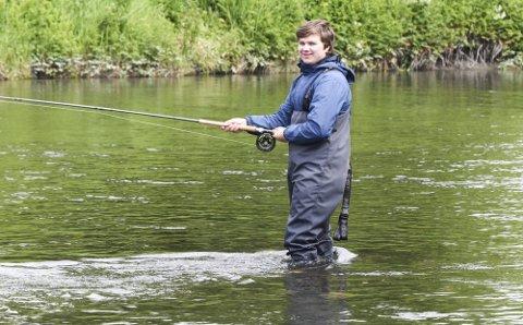 I ELVA: Fiskerne i Vefsna og Fusta fikk mindre fangster i år enn i fjor, men lite vann må i alle fall få noe av skylda for nedgangen.