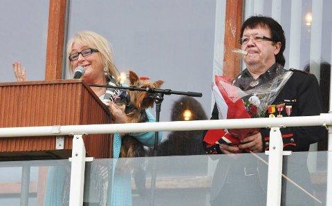 PRIS: 17. mai 2013 mottar Tove Pedersen og Kjell Arnesen kulturprisen i Hammerfest.