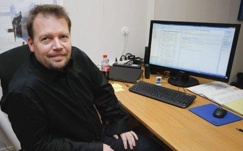 FORTVILER IKKE: Ordfører Rolf Laupstad mener at forholdene ligger godt til rette for økt folketall i Berlevåg. Men han vil gjerne at berlevågingene lager flere barn.Foto: Alf Helge Jensen
