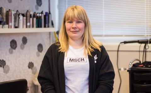OVER ALL FORVENTNING: Liisa Lindbäch (34) var spent på fremdriften da hun åpnet frisørsalong i mars. Nå har det gått over all forventning forteller hun.