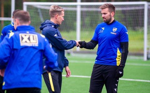 FOTBALLPROFILER: Morten Gamst Pedersen (t.v.) er godt kjent for de fleste i hele Norge og andre steder i verden. Svein Ove-Thomassen er også tilbake i Alta IF etter at han forlot klubben i 2018.