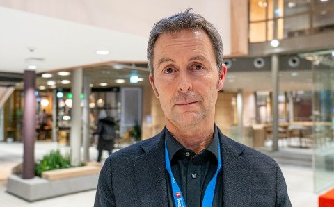 SENTRALISERER VIRKSOMHETEN: Sparebank 1 Nord-Norge legger ned fem lokale kontoret i Finnmark.  Konserndirektør for kommunikasjon og samfunn, Stein Vidar Loftås, begrunner dette blant annet med endret kundemønster og bedre digitale løsninger.