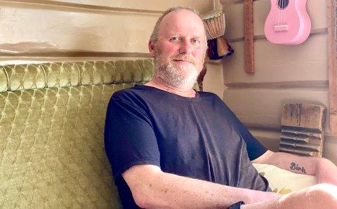DEPRESJON: I flere år slet Hogne Wikeland med depresjon. Nå bruker han egne erfaringer til å hjelpe andre.