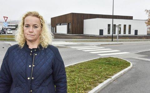 OPPGITT: Leder Gro Anita Kversøy i Aurskog-Høland idrettsråd synes idretten får for trange økonomiske kår i Bjørkebadet. Foto: Øyvind Henningsen