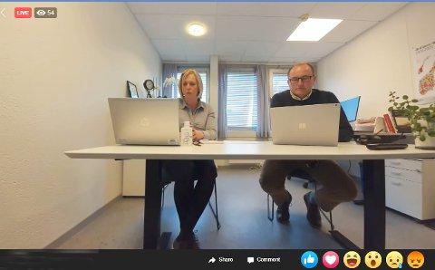 - Det er nå tre smittede i Holmestrand, kunne ordfører Elin Gran Weggesrud og kommunedirektør Hans Erik Utne bekrefte under dagens live-sending fra ordførerens kontor.