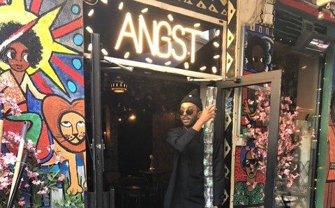 IN-STED: Misgina Ghebremeskel har tidligere fortalt KV at han hentet inspirasjon fra blant annet utestedet Jensemann i Kragerø da han startet Angst Bar i Oslo. (Foto: Privat)