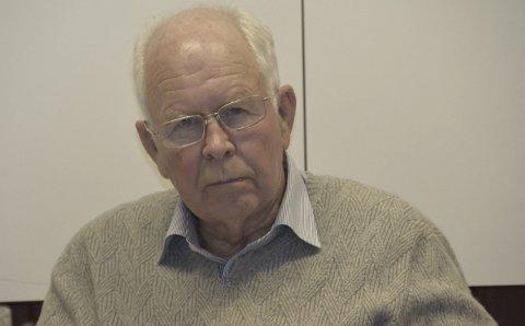 MISFORNØYD: Leder Iver A. Juel og hans kolleger i kontrollutvalget var svært misfornøyd med at administrasjonen ikke hadde klart å levere en sak om praktiseringen av kommunens rammeavtaler til det ekstraordinære møtet i kontrollutvalget.