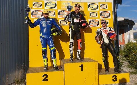 3. PLASSAR: Marius Ripel Jensen (heilt til høgre) tok to tredjeplassar i NM i roadracing i Mo i Rana denne helga.