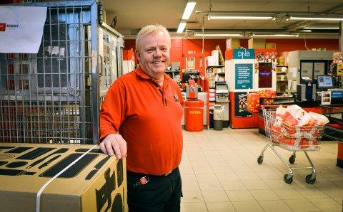 GJØR ENDRINGER I STYRET: Butikksjef Erling Bakken på Coop Extra på Gamlegrendåsen er styreleder i Erlings mathus AS.