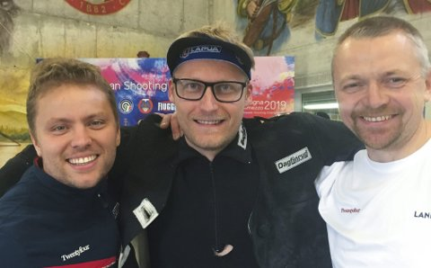 EUROPAMESTERE: Simon Kolstad Clausen (t.v.), Kim-André Aannestad Lund og Hans Kristian Wear satte ny verdensrekord, og forbedret den gamle med 14 poeng, da de vant EM på 300 meter halvmatch standardgevær i Italia.FOTO: NTB scanpix