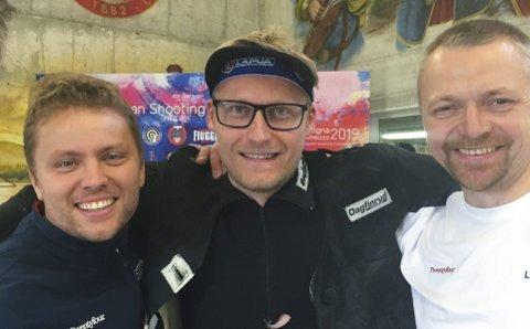 NOK ET GULL OG NOK EN VERDENSREKORD: Simon Kolstad Claussen (t.v.), Kim-André Aannestad Lund og Hans Kristian Wear tok sitt andre EM-gull og satte nok en verdensrekord i EM i skyting i Italia.FOTO: NTB scanpix