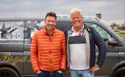 MAKKERE: Sven Holhjem (t.v.) og Johnny Eliassen satser bredere på hyttemarkedet på Blefjell.