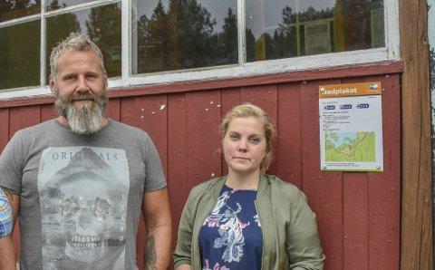 Glad for støtte: Anne Nymoen Jensen og Sven Helgevold som driver Eiksetra setter pris på alle underskriftene.