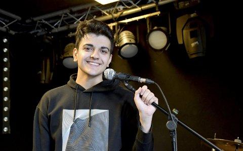 KOM «HJEM»: Ungdomshuset (tidligere rockeverkstedet) i Lierbyen er blitt Rayan Karimis (20) trygge havn etter en usikker tilværelse som mindreårig asylsøker i Norge.