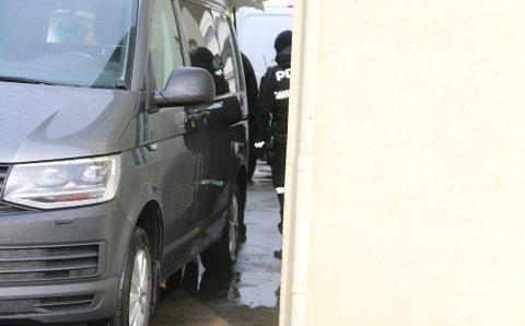 BEGRAVELSESBYRÅ: Avdøde ble hentet av Jølstad begravelsesbyrå rundt klokken 17.30