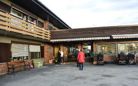 STENGT: Vestby sykehjem tar nå ikke imot besøk av pårørende, som følge av at en av deres ansatte har fått påvist smitte av koronavirus.