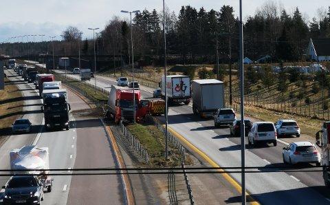 Vogntoget ble stående i midtrabatten etter en utforkjørsel på E6 onsdag formiddag.