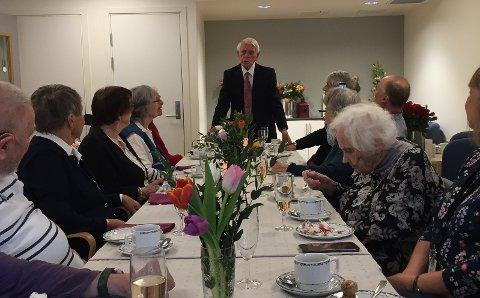100-årsfest: Thor Rolf Hjelmberg holder tale og takker for selskapet.