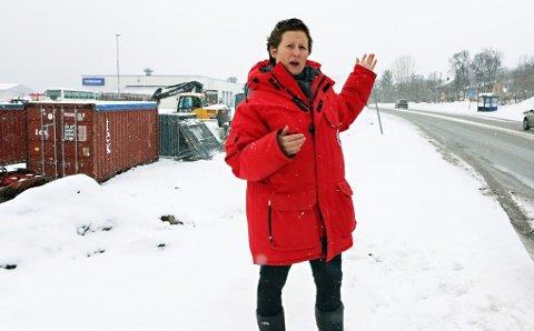 SKJERMER BEBOERE: Den nye veien kommer et godt stykke nedenfor dagens Stakkevollvei - fra Gimle og nordover til Nordøyaveien. Ordfører Kristin Røymo sier bomiljøet for beboerne langs Stakkevollveien blir langt bedre når tungtrafikk og gjennomgangstrafikken forsvinner.