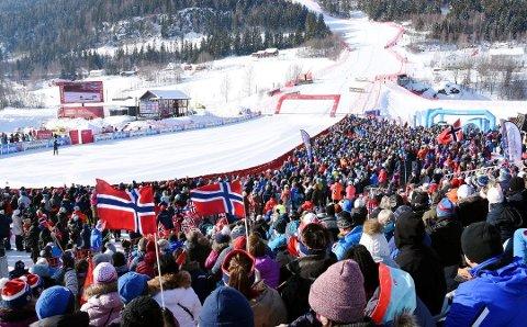 HÅPER Å KOMME I MÅL MED FINANSIERING: Narvik og Nord-Norge håper på et alpin-VM i 2027.