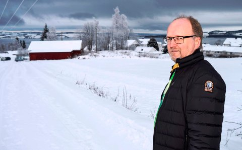 - Det er her på Bakke det ligger best til rette for å bygge en ny dagligvareforretning på Kapp, mener Kiwi-kjøpmann Svein Håvard Linnerud.