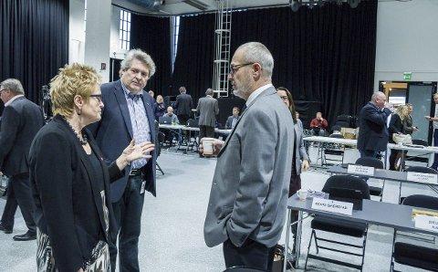 Ingen myk start: Ordfører Rune Høiseth, Hallstein Bast (V) og Turid Løsnæs (Ap) har lagt bak seg fire år med godt samarbeid. Innledningen til de neste fire årene har ikke vært like enkle.arkivfoto: Lasse Nordheim