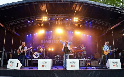PARTY: Bandet Party er et av mange kjente lokale band som skal skape skikkelig party i Bøkeskogen fredag kveld.