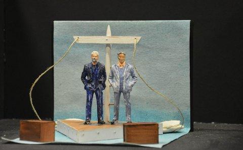 MODELL: Slik er det tenkt at scena skal se ut; som bauen på en båt. Kostymene vil bli tidstro fra 1939-1940.
