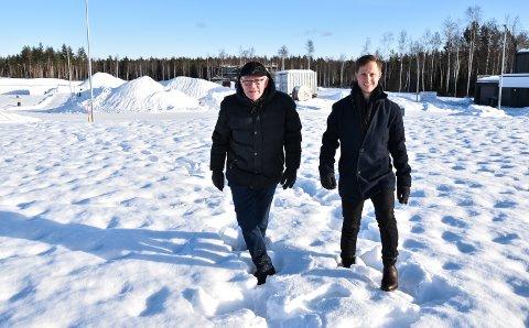 MUSPELHEIM: Terje Chr. Svenkerud (til venstre) og Thomas Skogli Rusten i snøen i Ydalir.