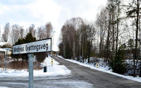 ØNSKER GANG- OG SYKKELVEG HER: Elverum kommune ønsker å bygge en gang- og sykkelveg langs Andreas Grøttings veg.