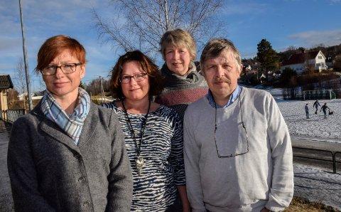 Oppgitt over kutt: Kontaktlærerne Kristin Jonsrud, Marit Olberg, Toril Vigerust og Rune Kristiansen ved Haugsbygd ungdomsskole.