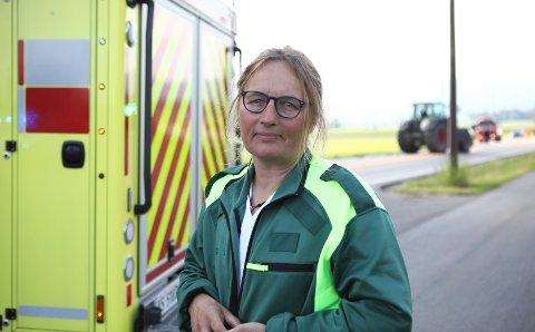 VIRKELIG TRIST: Kommuneoverlege Karin Møller forteller at det kommer en jevn tilstrømming med mindreårige som er overstadig beruset til legevakten. Hun synes det er virkelig trist hver gang det skjer.
