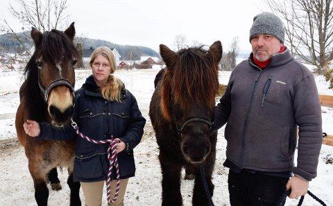 ERSTATNING: Trine Flattum og Bjørn Gulbrandsen er tilfreds med å ha fått medhold, men de har ennå ikke fått noen erstatning.